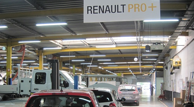 Nice ouest renault retail group for Garage renault atelier