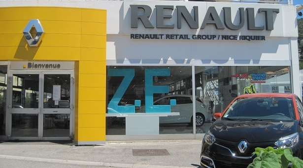 riquier renault retail group. Black Bedroom Furniture Sets. Home Design Ideas